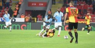Süper Lig: Göztepe: 0 - Trabzonspor: 0 (İlk yarı)