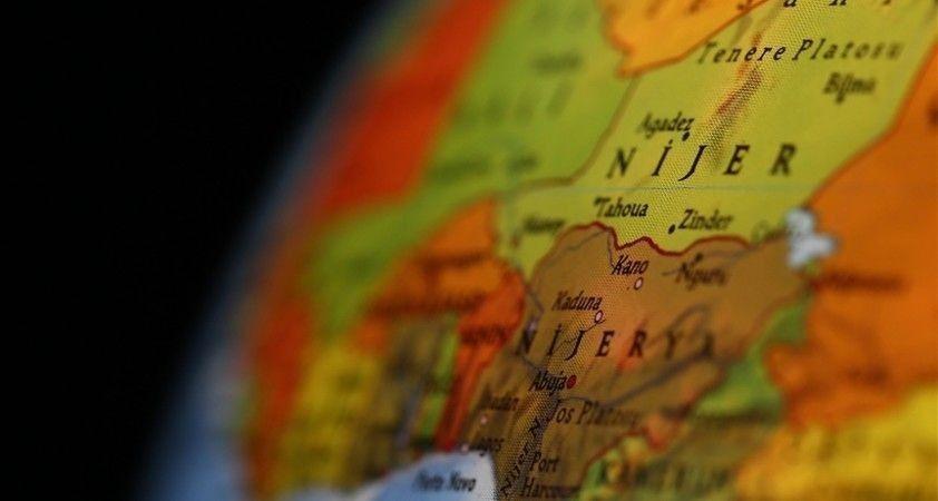 Nijerya'da yasa dışı petrol rafinerisinde meydana gelen patlamada 25 kişi öldü