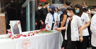Başkent'te geçirdiği trafik kazasında vefat eden genç doktor Rümeysa Berin Şen, anıldı